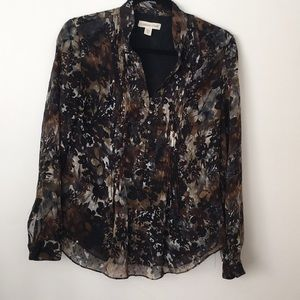 Blouse with black shell.